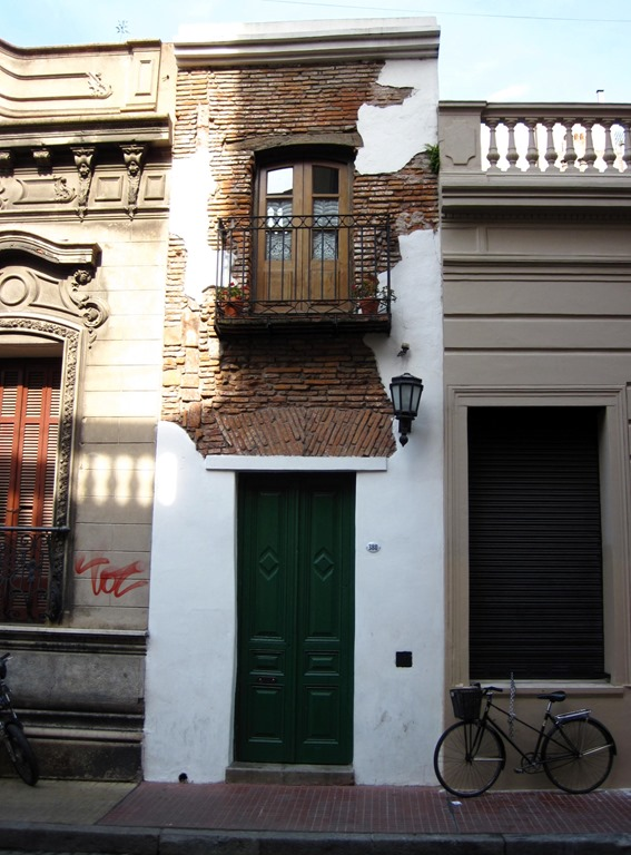 San telmo buenos aires second act for Casa minima