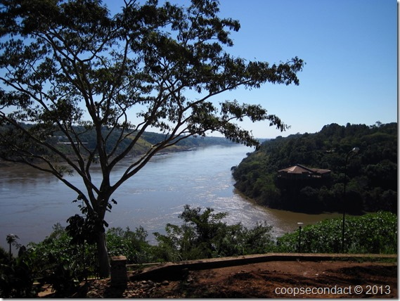 Tres Fronteras-Intersection of the two rivers-From Argentina, Brazil right, Paraguay left