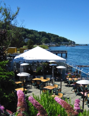 Patio at Salty's