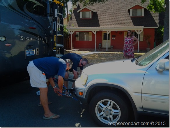 Hooking up the car at Ralph and Carlie's