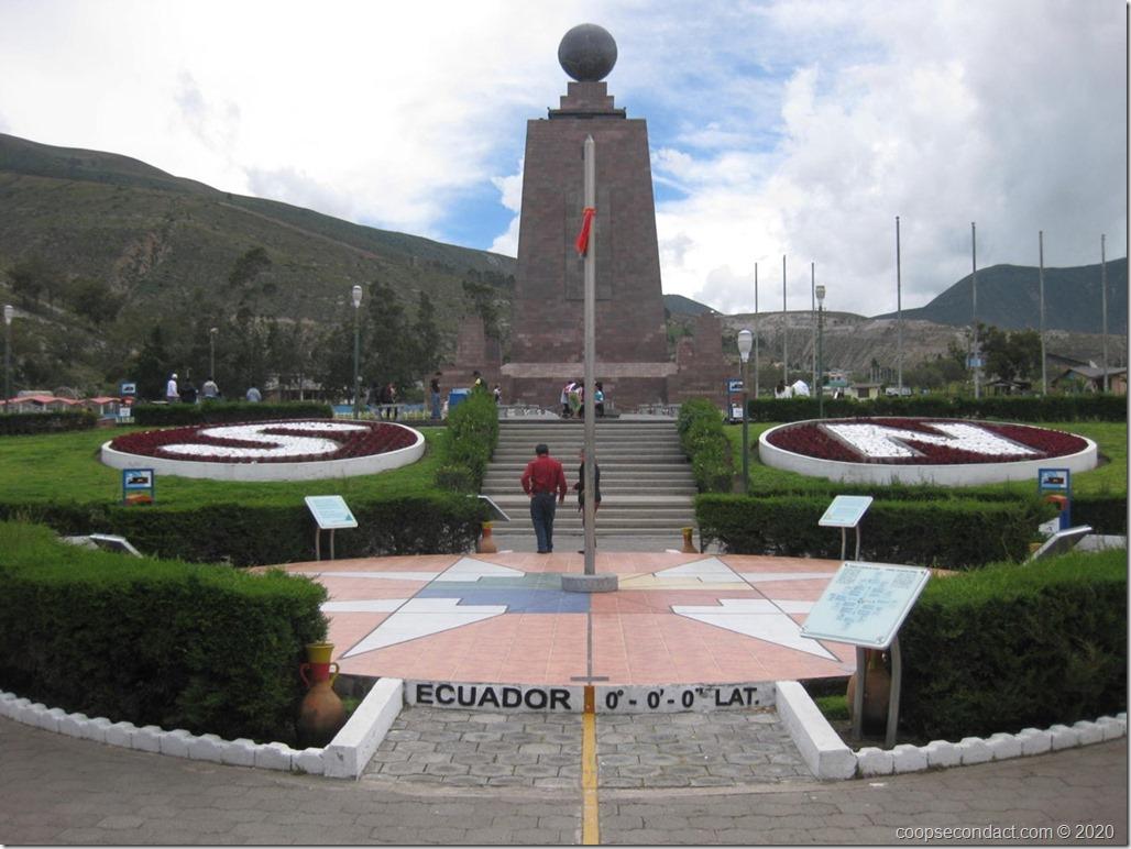 La Mitad Del Mundo, the monument